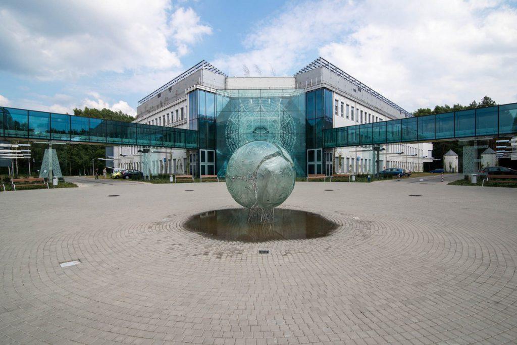 Kampus Uniwersytetu w Białymstoku - montaż wykładziny