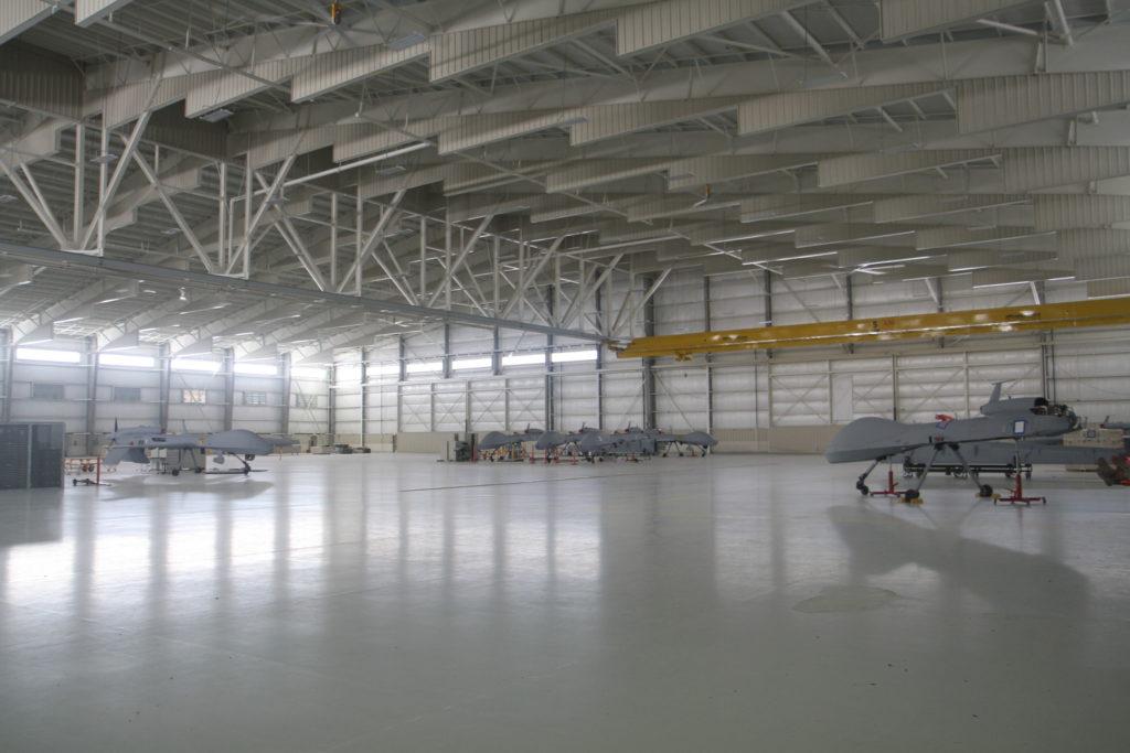 Podłoga-Hangar-lotniczy-2
