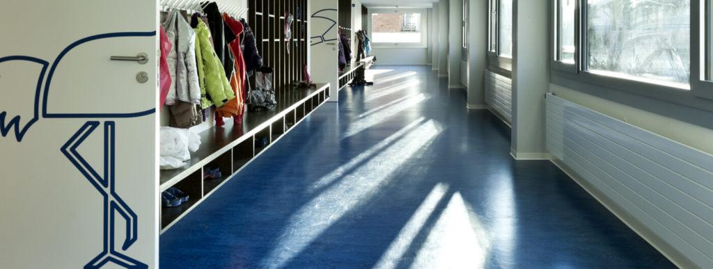 Renowacja i czyszczenie wykładzin w szkołach